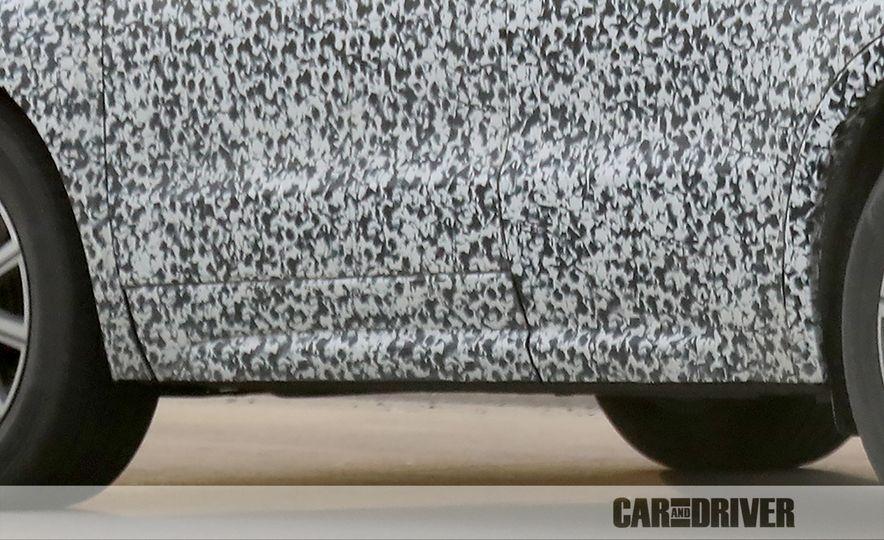 2019 Cadillac XT4 (spy photo) - Slide 38