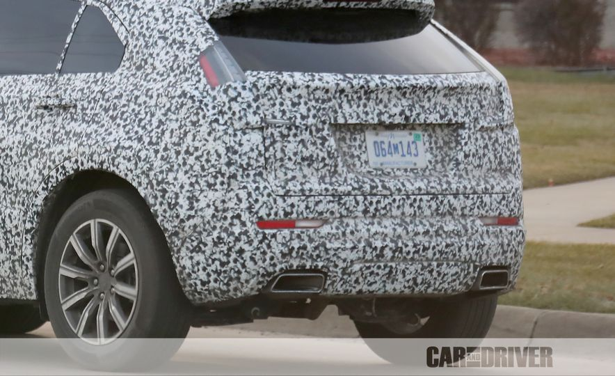 2019 Cadillac XT4 (spy photo) - Slide 40