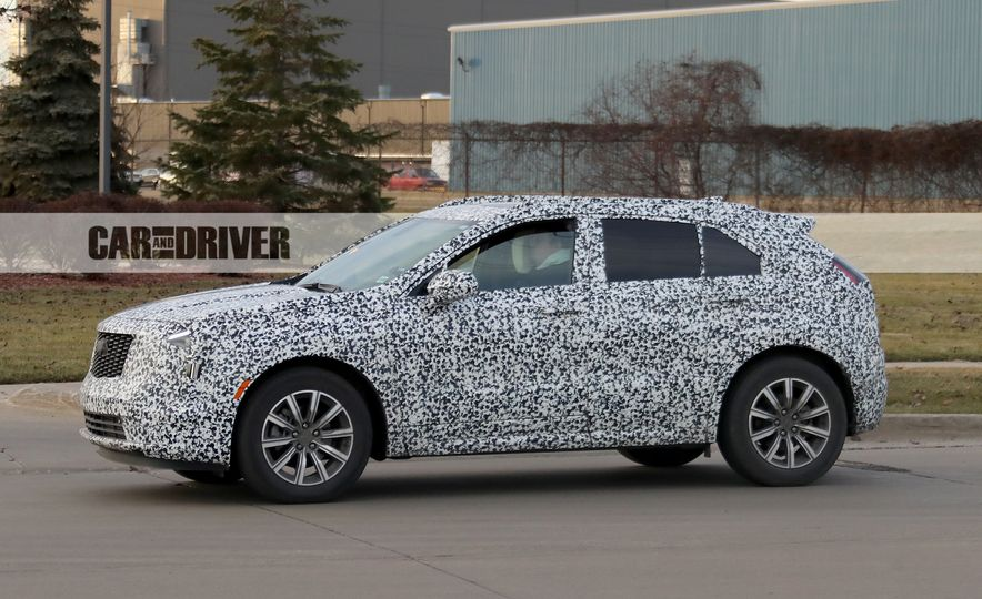 2019 Cadillac XT4 (spy photo) - Slide 8
