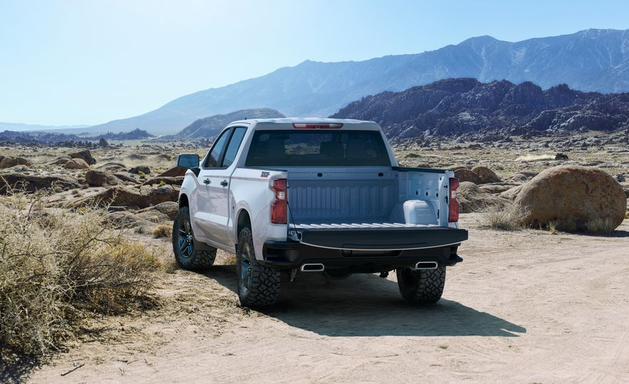 The 15 Things You Need to Know about the 2019 Chevrolet Silverado 1500 - Slide 5