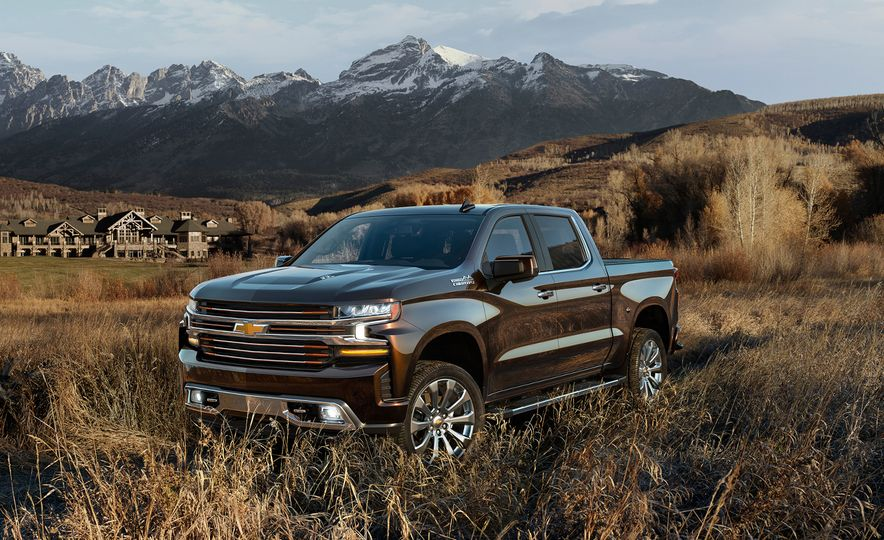 The 15 Things You Need to Know about the 2019 Chevrolet Silverado 1500 - Slide 6