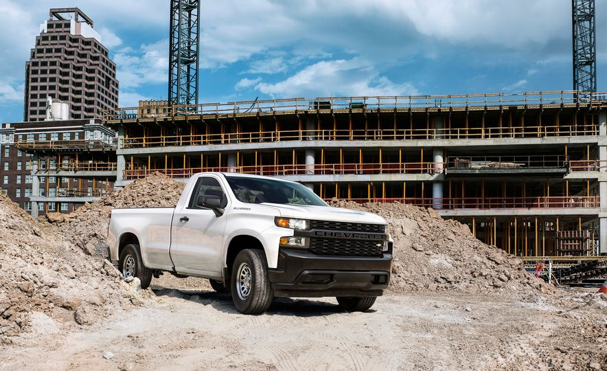 The 15 Things You Need to Know about the 2019 Chevrolet Silverado 1500 - Slide 12