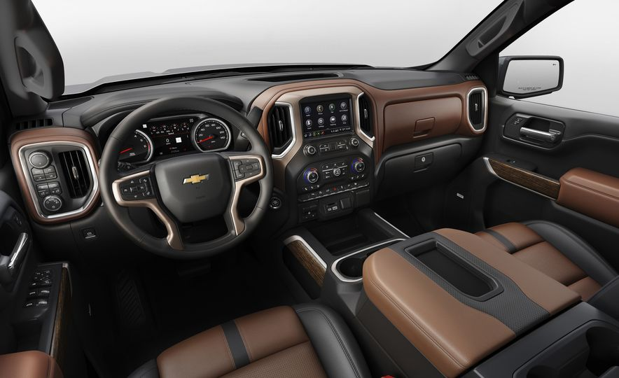 The 15 Things You Need to Know about the 2019 Chevrolet Silverado 1500 - Slide 16