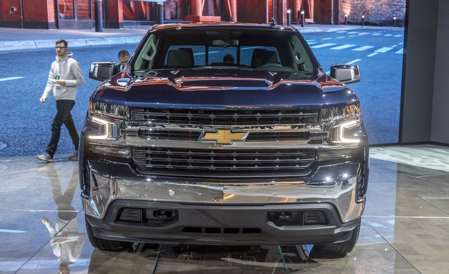 The 15 Things You Need to Know about the 2019 Chevrolet Silverado 1500 - Slide 8