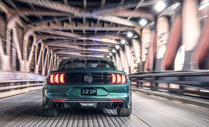 2019 Ford Mustang Bullitt - Slide 3