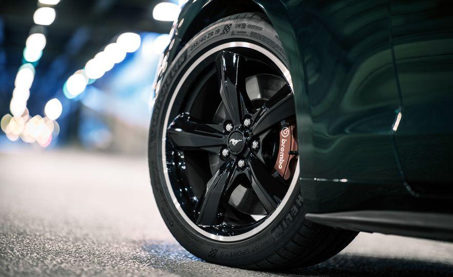 2019 Ford Mustang Bullitt - Slide 7
