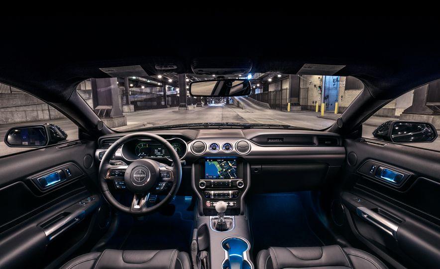 2019 Ford Mustang Bullitt - Slide 8
