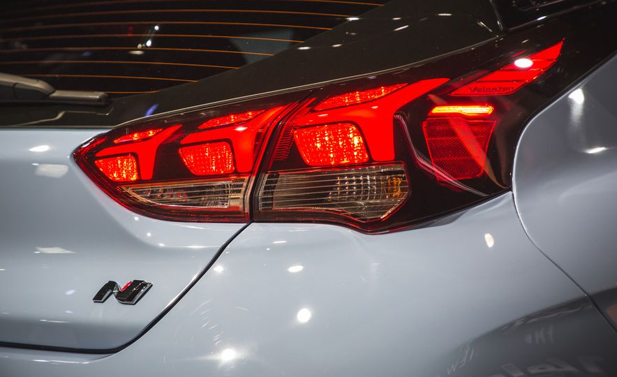 2019 Hyundai Veloster N - Slide 46