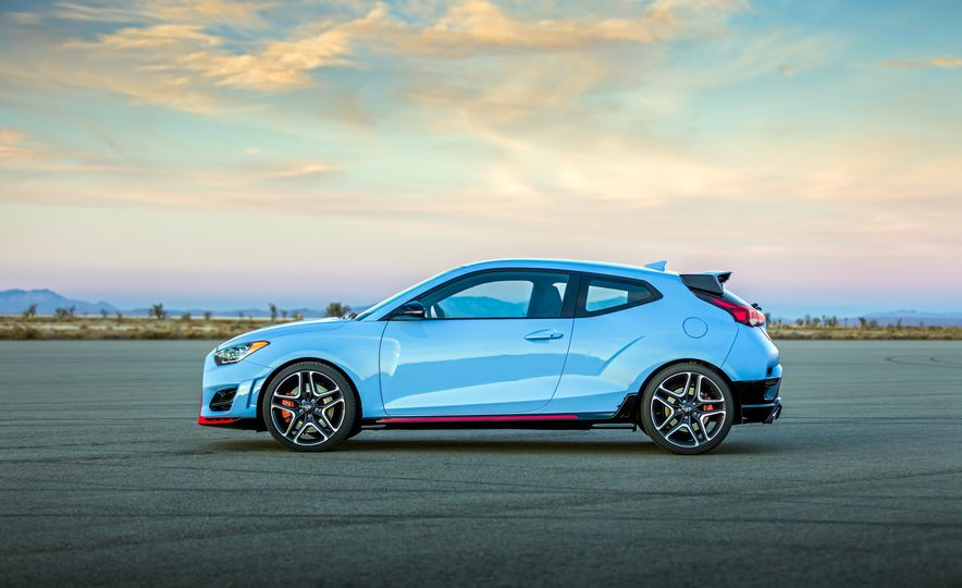 2019-hyundai-veloster-n-Placement - Slide 7