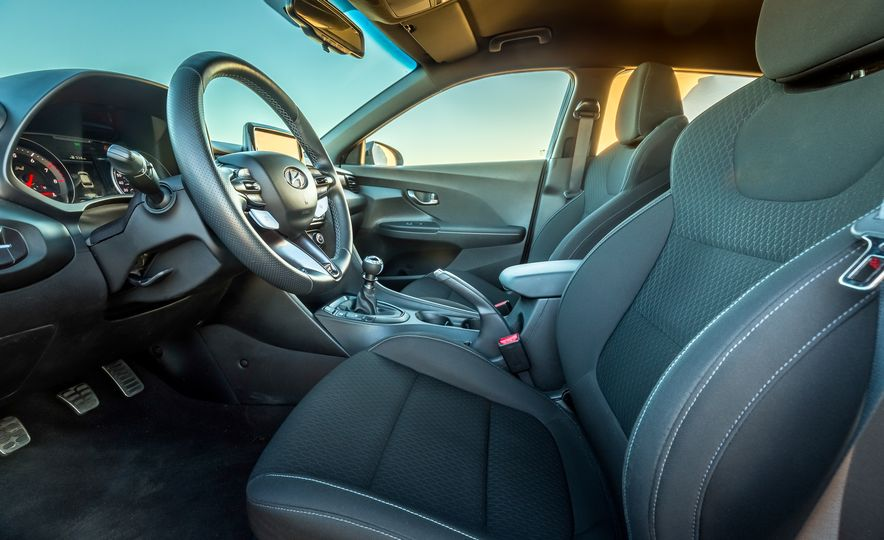 2019 Hyundai Veloster N - Slide 30