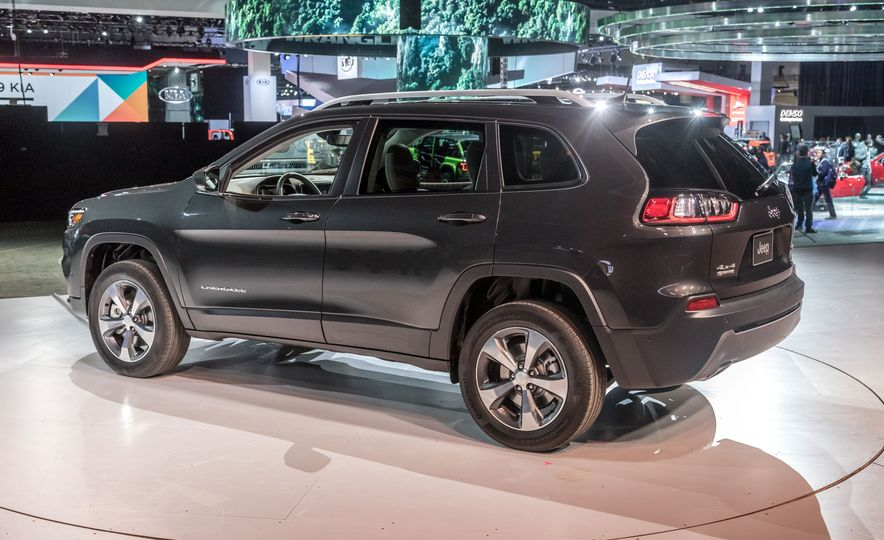 2019 Jeep Cherokee Trailhawk and Jeep Cherokee Limited - Slide 72