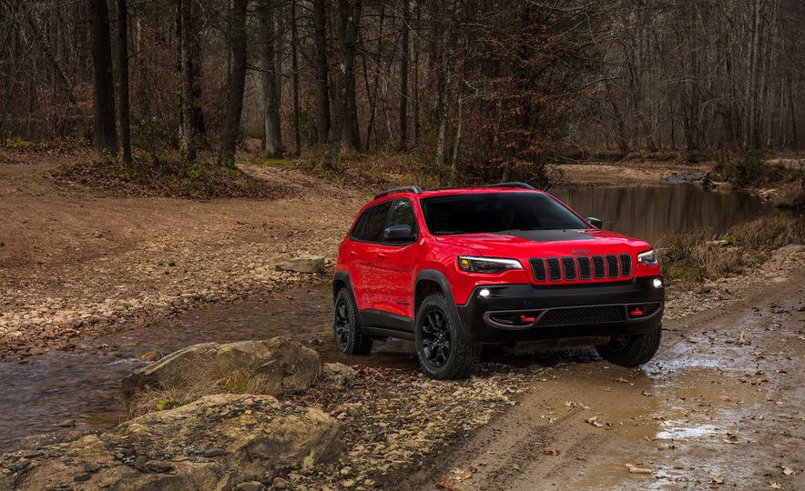 2019 Jeep Cherokee Trailhawk and Jeep Cherokee Limited - Slide 10