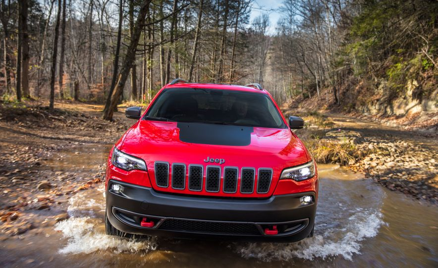 2019 Jeep Cherokee Trailhawk and Jeep Cherokee Limited - Slide 14