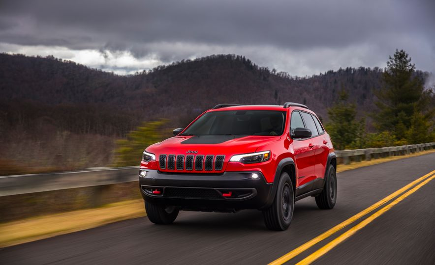 2019 Jeep Cherokee Trailhawk and Jeep Cherokee Limited - Slide 27