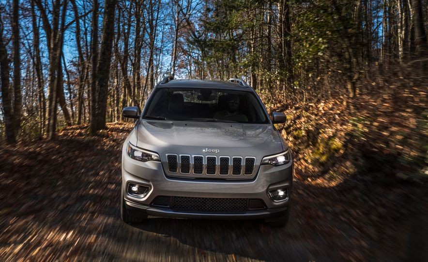 2019 Jeep Cherokee Trailhawk and Jeep Cherokee Limited - Slide 45