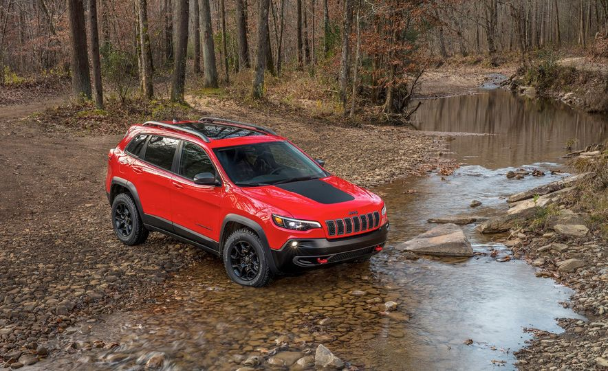 2019 Jeep Cherokee Trailhawk and Jeep Cherokee Limited - Slide 7