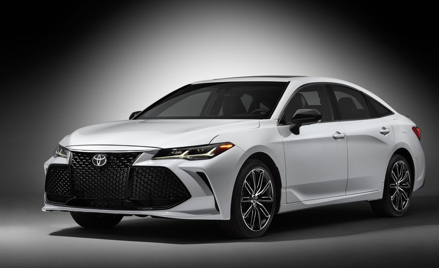 2019 Toyota Avalon - Slide 4
