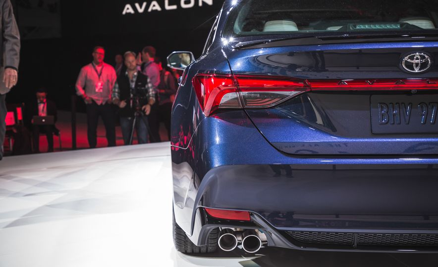 2019 Toyota Avalon - Slide 74
