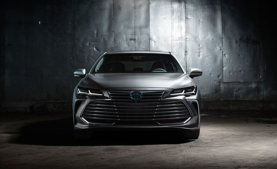 2019 Toyota Avalon - Slide 25