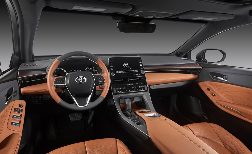 2019 Toyota Avalon - Slide 35