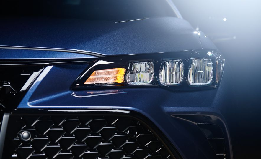 2019 Toyota Avalon - Slide 52