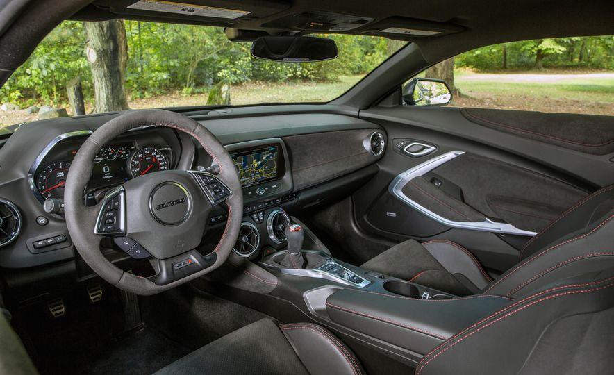 2018 Honda Civic Si sedan, Civic Type R, Civic Sport, 2018 Chevrolet Camaro SS, Camaro ZL1, and Camaro - Slide 18