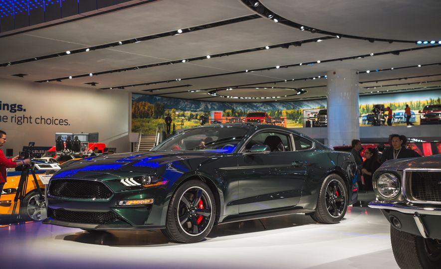 2019 Ford Mustang Bullitt - Slide 12