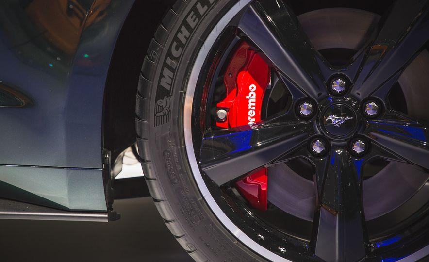 2019 Ford Mustang Bullitt - Slide 23