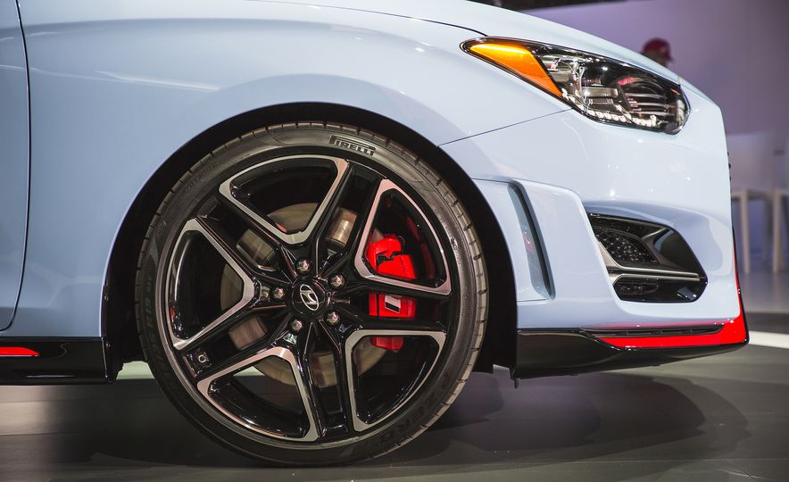 Here Are 10 Things That Make the 2019 Hyundai Veloster N so N-ticing - Slide 3