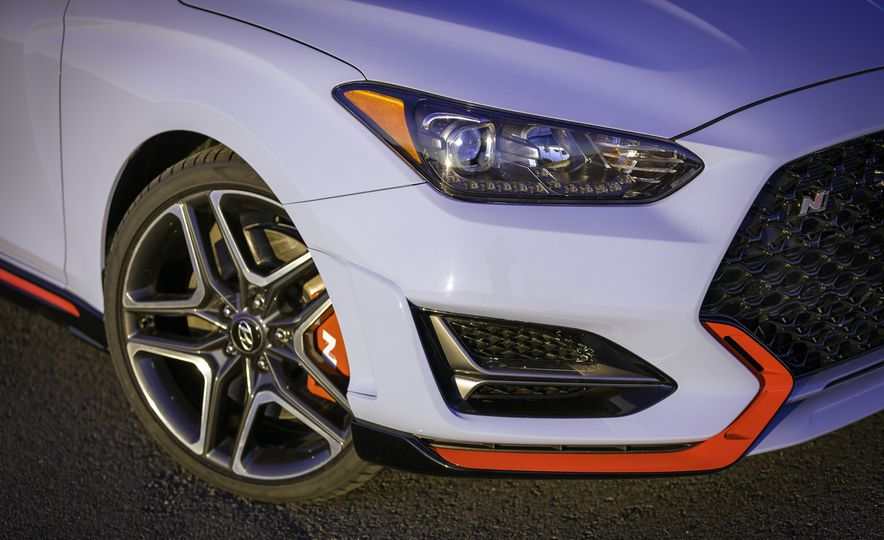 Here Are 10 Things That Make the 2019 Hyundai Veloster N so N-ticing - Slide 4