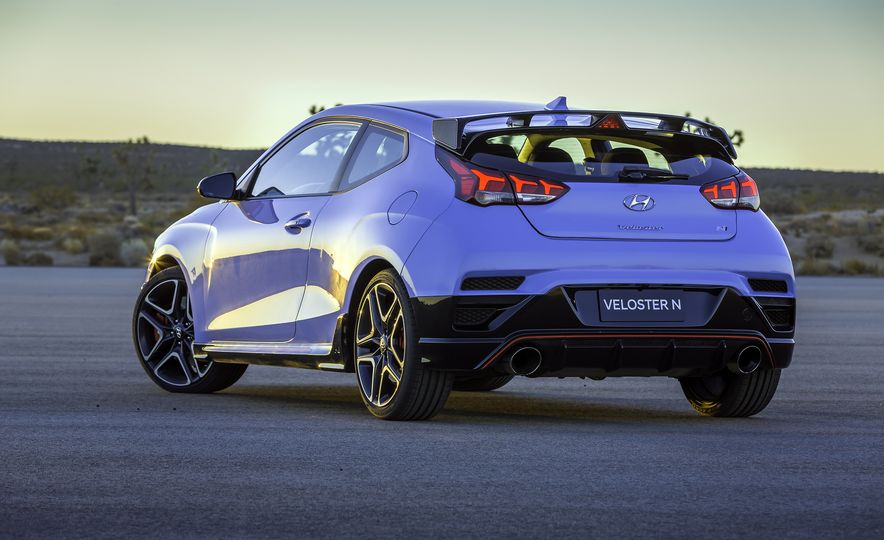 Here Are 10 Things That Make the 2019 Hyundai Veloster N so N-ticing - Slide 6