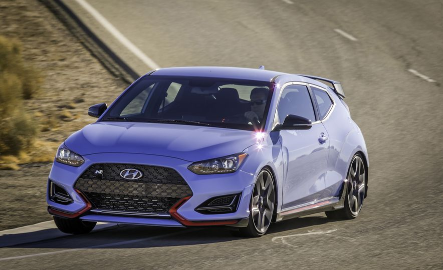 Here Are 10 Things That Make the 2019 Hyundai Veloster N so N-ticing - Slide 10