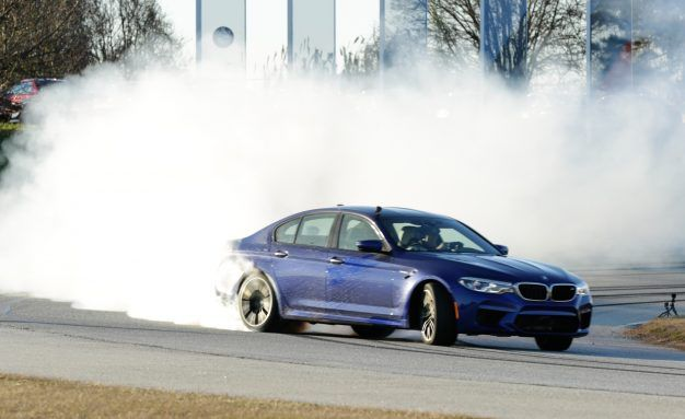 Show Drift: BMW Breaks Two Guinness World Records Drifting the New M5 [Video]