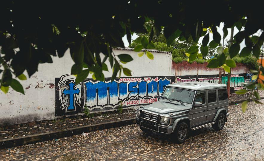Mercedes-Benz G-500 - Slide 10