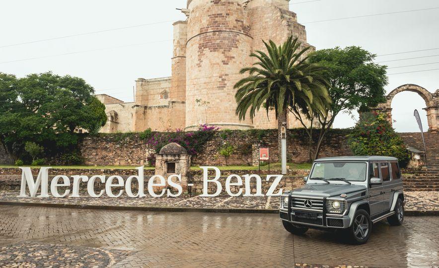 Mercedes-Benz G-500 - Slide 23