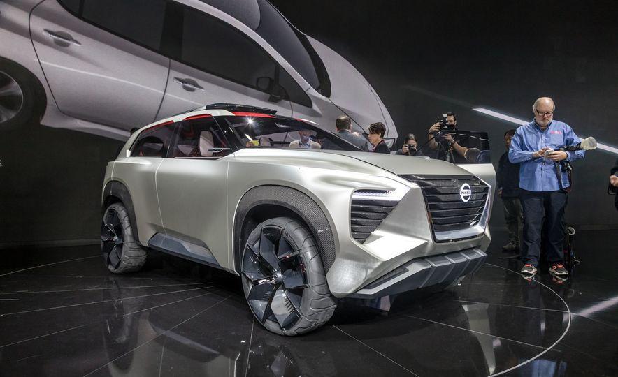 Nissan Xmotion concept - Slide 12
