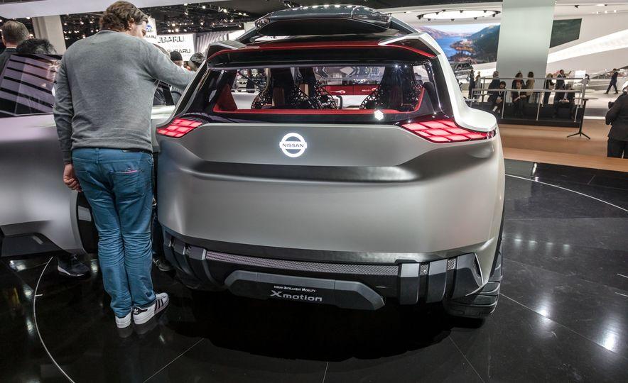 Nissan Xmotion concept - Slide 13