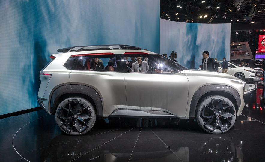Nissan Xmotion concept - Slide 16