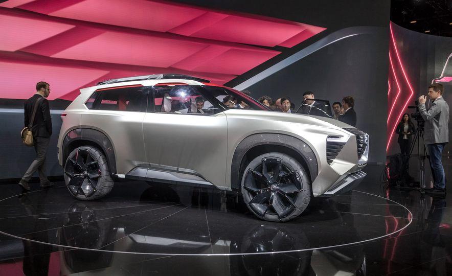 Nissan Xmotion concept - Slide 17