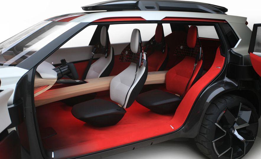 Nissan Xmotion concept - Slide 10