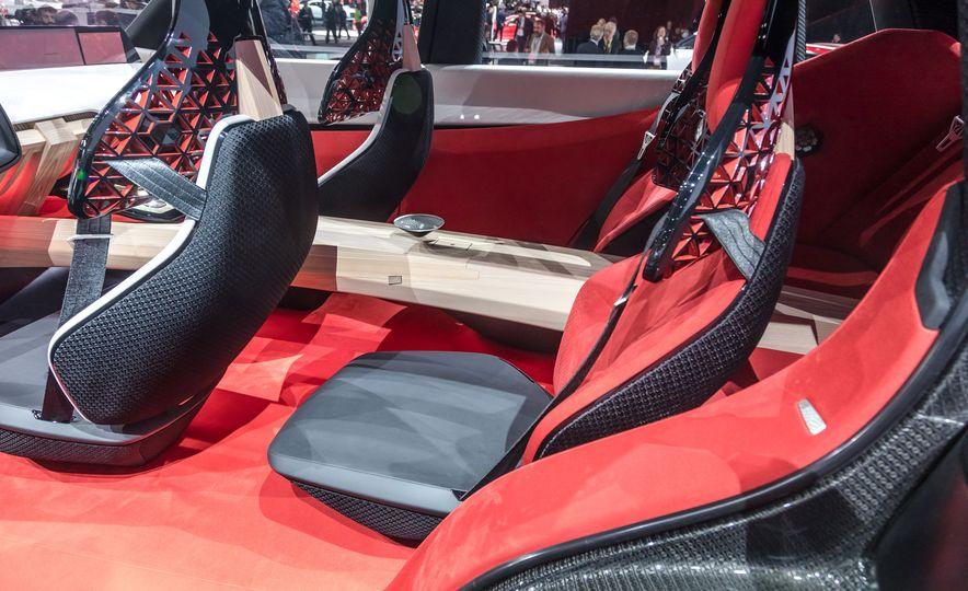 Nissan Xmotion concept - Slide 28
