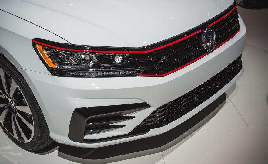 Volkswagen Passat GT concept - Slide 13