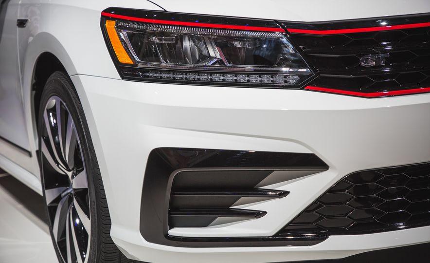 Volkswagen Passat GT concept - Slide 12