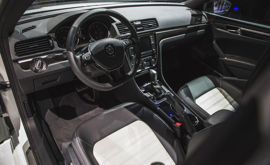 Volkswagen Passat GT concept - Slide 18
