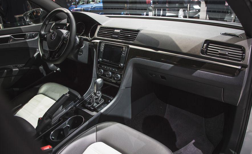 Volkswagen Passat GT concept - Slide 19