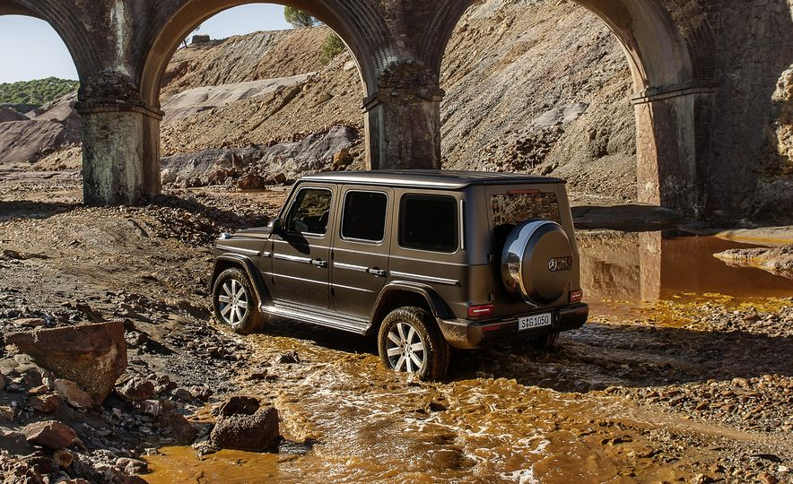 Golly G, What's Different? 10 of the 2019 Mercedes-Benz G-class's Biggest Updates - Slide 11