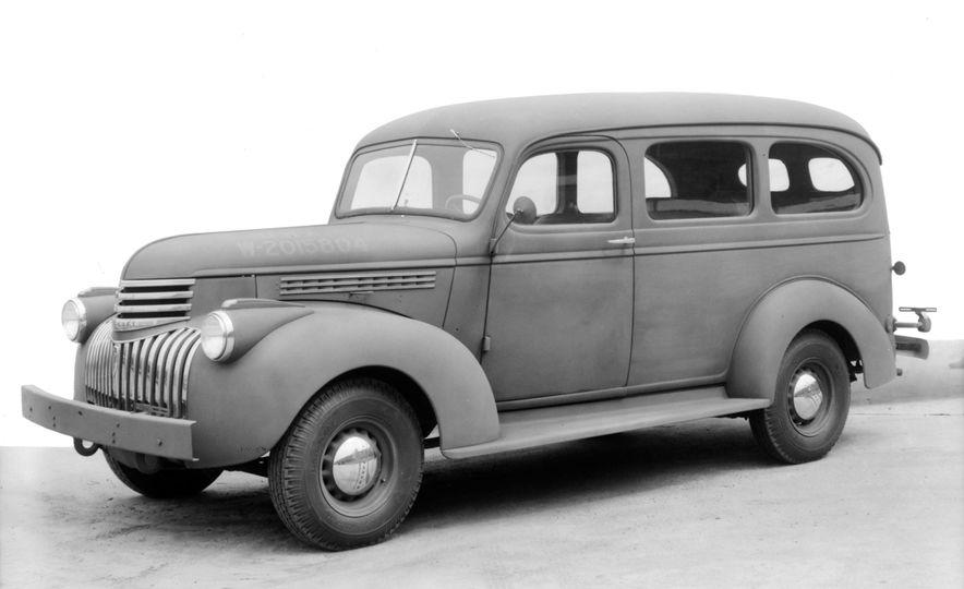 1935 Chevrolet Suburban - Slide 3
