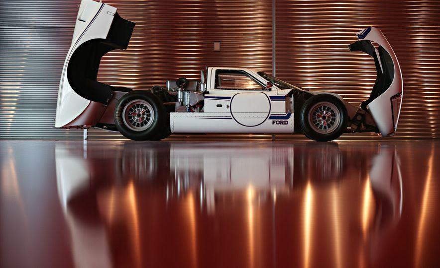 1967 Ford GT40 Mk IV - Slide 4