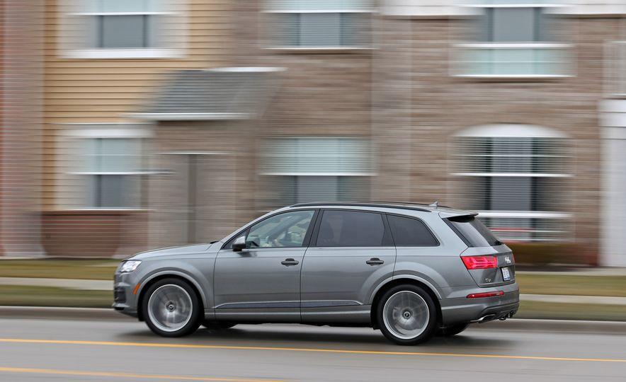 2017 Audi Q7 - Slide 4