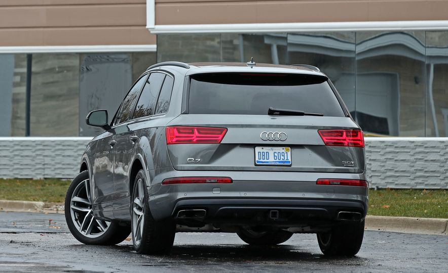 2017 Audi Q7 - Slide 17